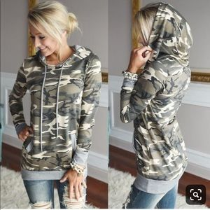 Soft Camouflage hooded tunic sweater w pocket
